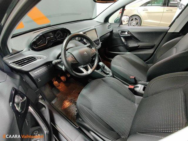 Peugeot 208 9