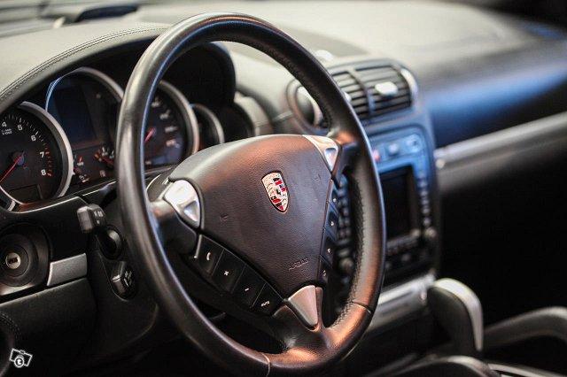 Porsche Cayenne 22