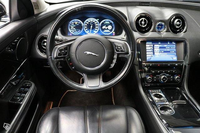 Jaguar XJ 5