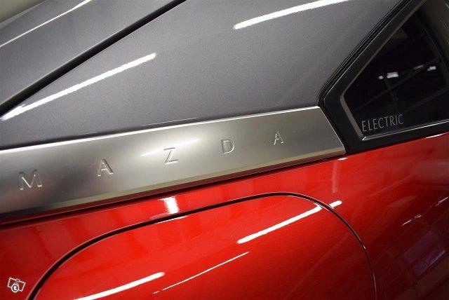 Mazda MX-30 18