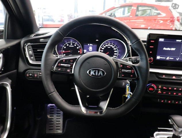 Kia ProCeed 11