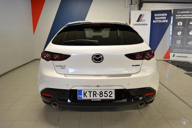Mazda 3 4