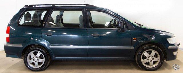 Mitsubishi Space Wagon 2
