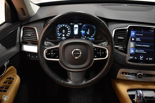 Volvo XC90 13