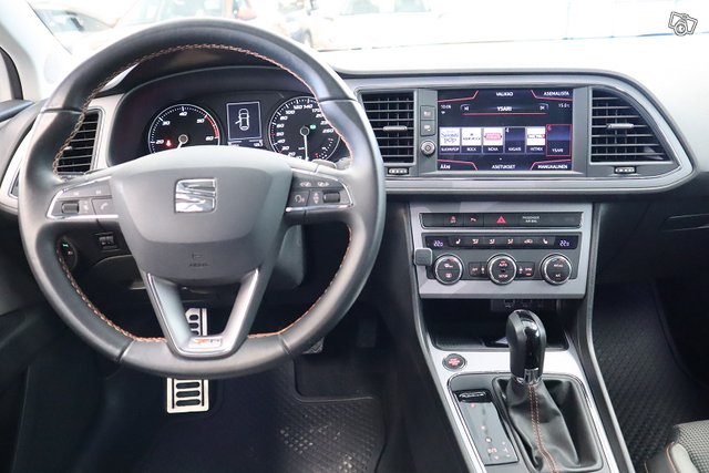 Seat Leon X-Perience 8