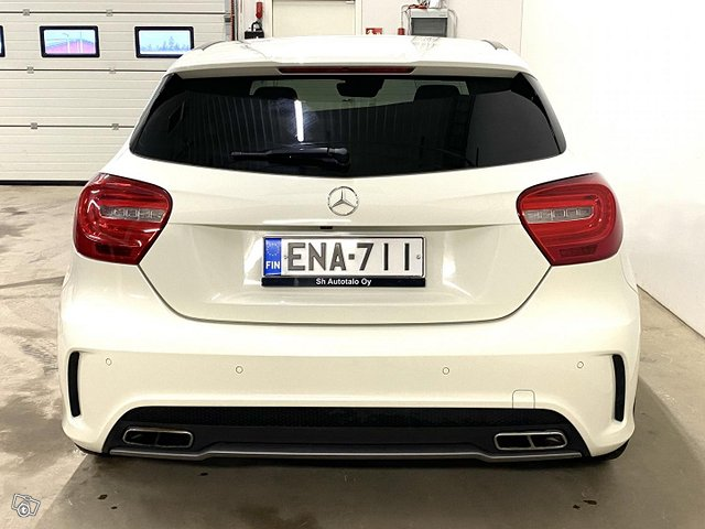 Mercedes-Benz A 45 AMG 8