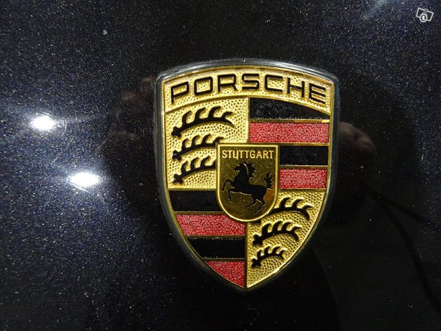 Porsche Cayman 8