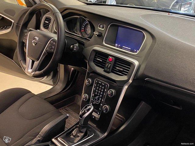 Volvo V40 12