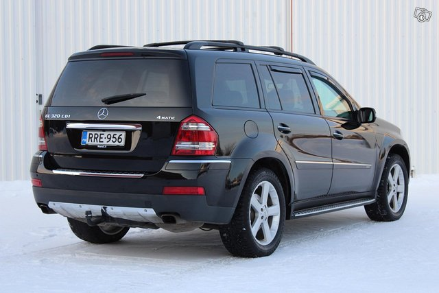 Mercedes-Benz GL 8