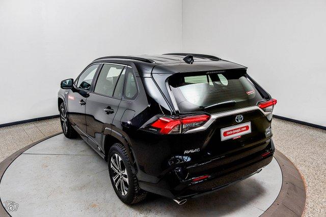Toyota RAV4 Plug-in 6