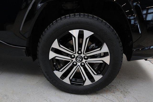 Toyota RAV4 Plug-in 25