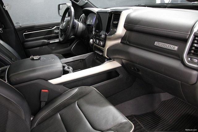 Dodge Ram 18