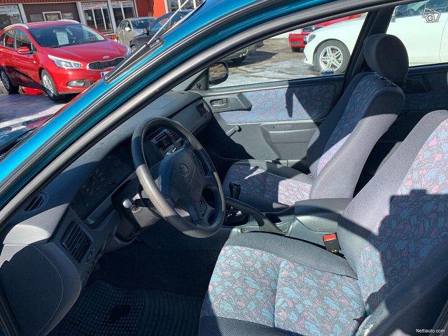 Toyota Carina E 5