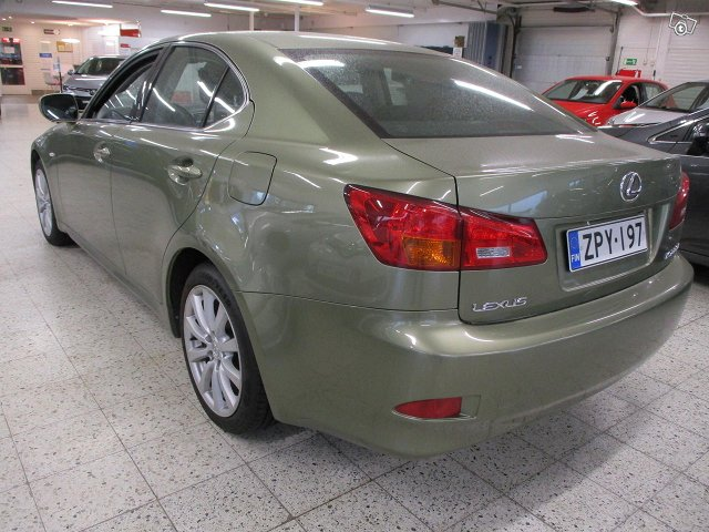 LEXUS IS 6