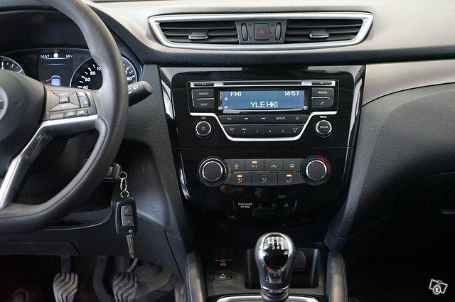 Nissan Qashqai 11