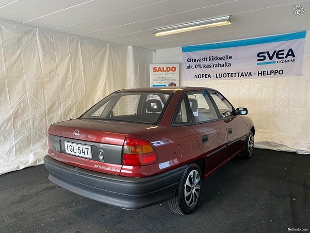 Opel Astra 4