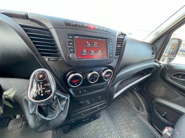 Iveco Daily 35S21 A8 2+4hlö retkeilyauto 10