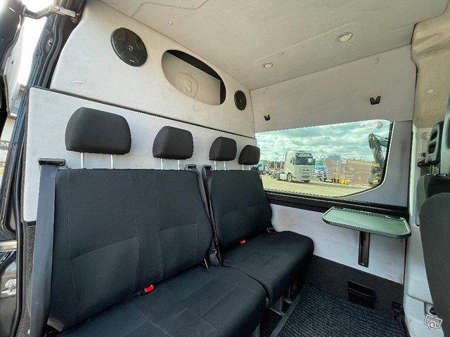 Iveco Daily 35S21 A8 2+4hlö retkeilyauto 15