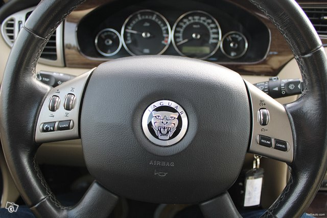 Jaguar X-type 13