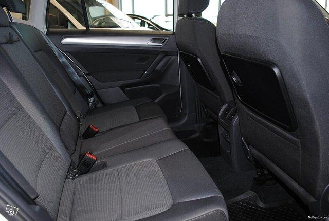 Volkswagen Golf Sportsvan 8