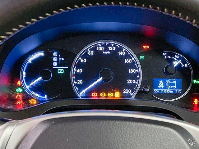 Lexus CT 16
