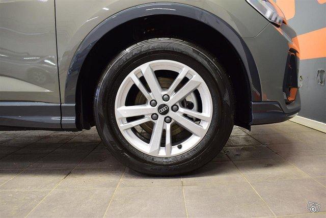 Audi Q3 19