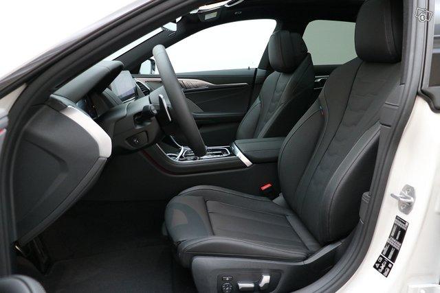 BMW 8-sarja 10