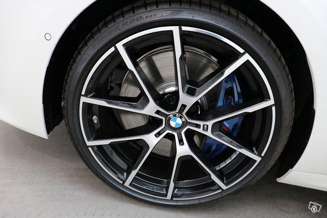 BMW 8-sarja 12