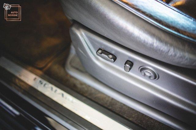 Cadillac Escalade 19