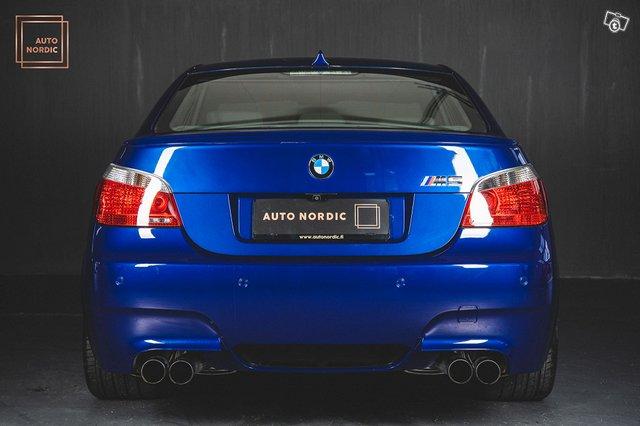 BMW M5 6