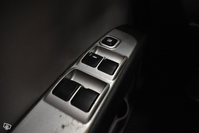 Mitsubishi L200 24