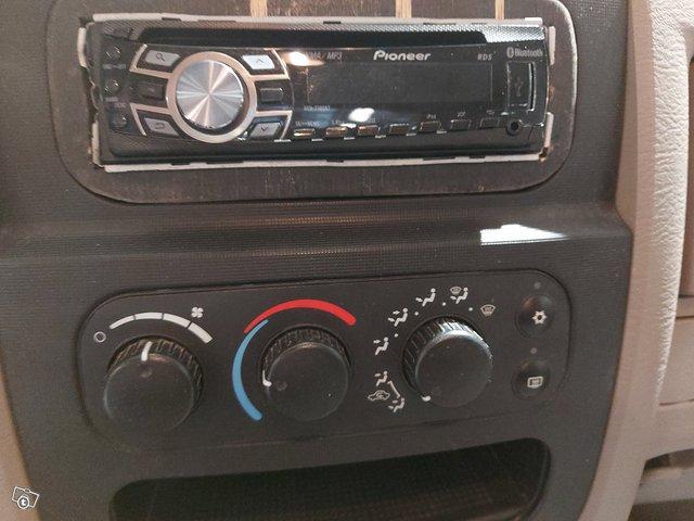 Dodge Ram 2500 16