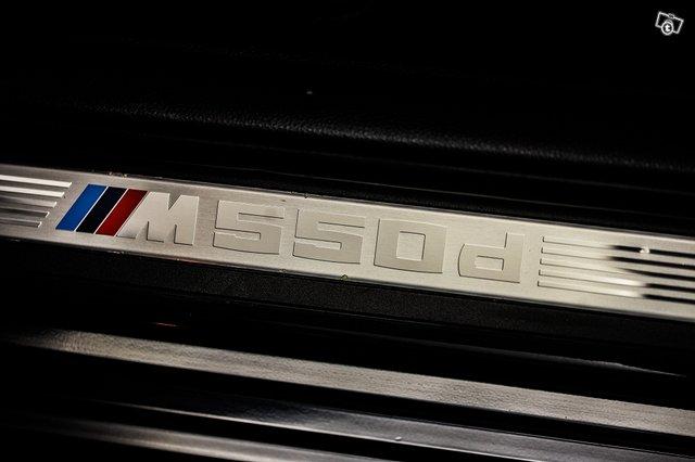 BMW M550d 24