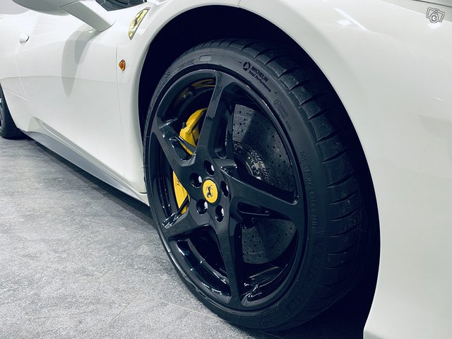 Ferrari 458 6