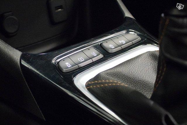 Opel Crossland X 14