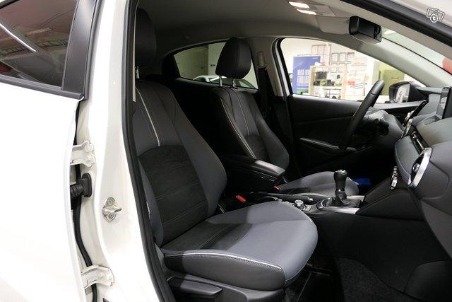 Mazda Mazda2 16