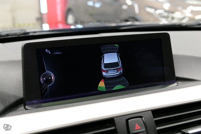 BMW 320 17