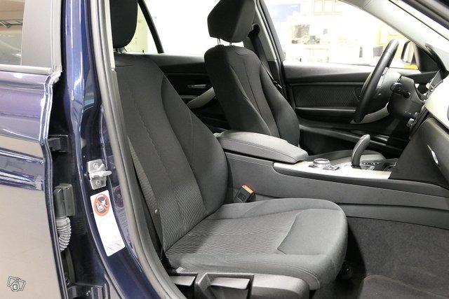 BMW 320 23