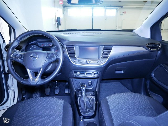Opel Crossland X 11