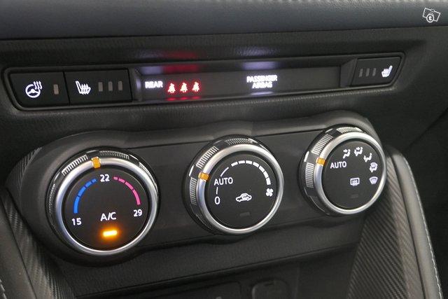 Mazda Mazda2 22