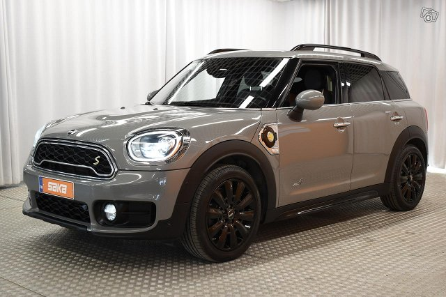MINI Countryman 4