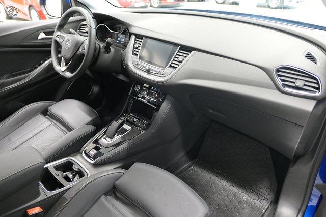 Opel Grandland X 23