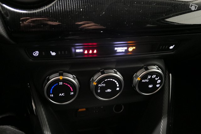 Mazda Mazda2 13