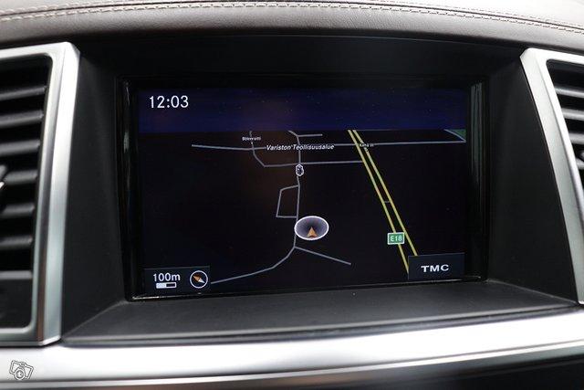 Mercedes-Benz ML 12