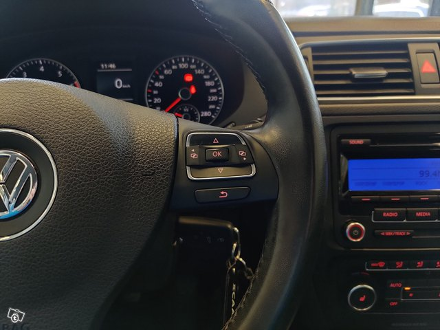 Volkswagen Jetta 13