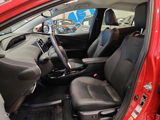Toyota PHEV 6
