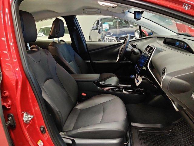Toyota PHEV 7