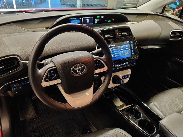 Toyota PHEV 10
