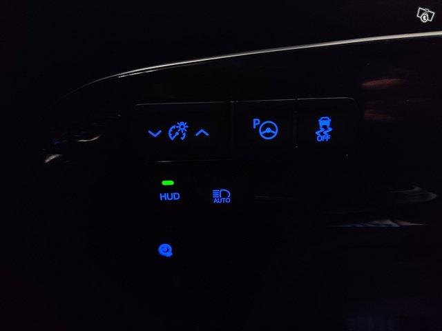Toyota PHEV 13