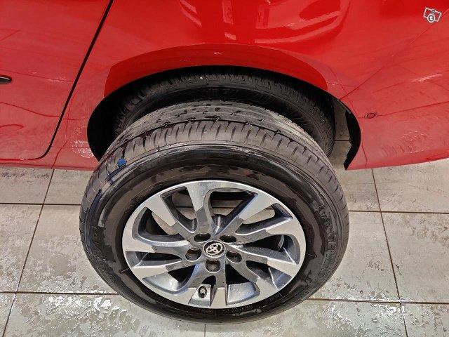Toyota PHEV 19